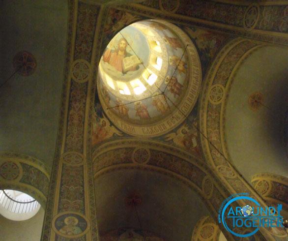 Altın kubbeli kilise